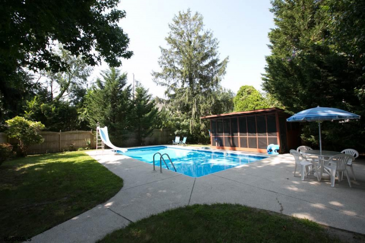 1100 Nugent, Northfield, New Jersey 08225, 3 Bedrooms Bedrooms, 7 Rooms Rooms,Residential,For Sale,Nugent,492995