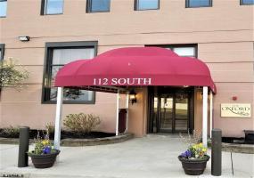 112 Oxford, Ventnor, New Jersey 08406, 2 Bedrooms Bedrooms, 6 Rooms Rooms,Condominium,For Sale,Oxford,520025