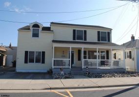 15 Pelham, Longport, New Jersey 08403-9999, 4 Bedrooms Bedrooms, 7 Rooms Rooms,Rental non-commercial,For Rent,Pelham,546278