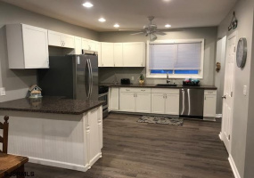 132 Sacramento, Ventnor, New Jersey 08406, 3 Bedrooms Bedrooms, 5 Rooms Rooms,Rental non-commercial,For Rent,Sacramento,546292