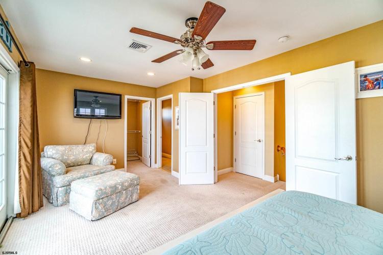 802 Third, Ocean City, New Jersey 08226, 5 Bedrooms Bedrooms, 11 Rooms Rooms,Condominium,For Sale,Third,546611