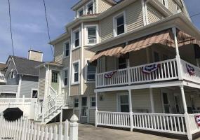 301 13th, Ocean City, New Jersey 08226, 4 Bedrooms Bedrooms, 10 Rooms Rooms,Condominium,For Sale,13th,540014