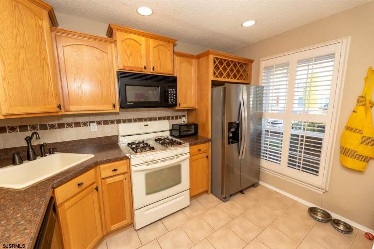 16 Seneca, Galloway Township, New Jersey 08205, 2 Bedrooms Bedrooms, 5 Rooms Rooms,Condominium,For Sale,Seneca,543654