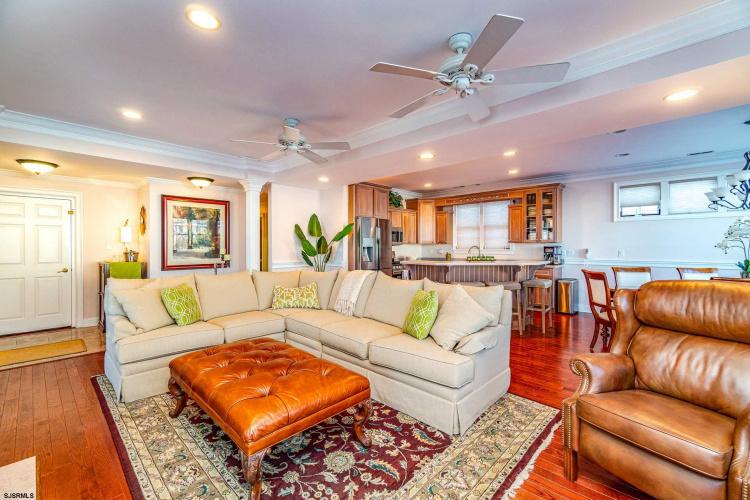 913 St. Charles, Ocean City, New Jersey 08226, 5 Bedrooms Bedrooms, 12 Rooms Rooms,Condominium,For Sale,St. Charles,547427