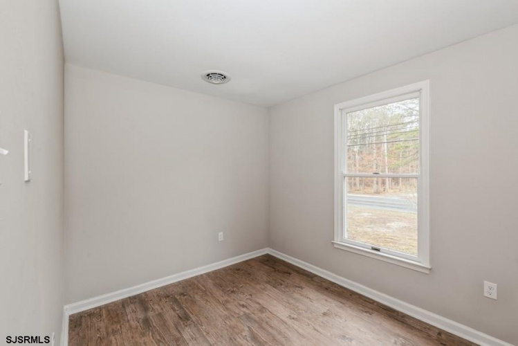 6040 English Creek, Egg Harbor Township, New Jersey 08234, 3 Bedrooms Bedrooms, 5 Rooms Rooms,Residential,For Sale,English Creek,549094