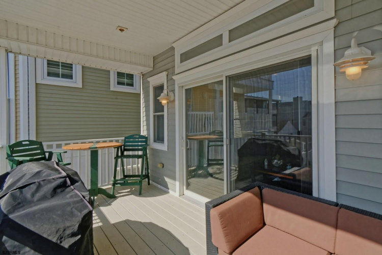 8605 Landis Ave, Sea Isle City, New Jersey 08243, 4 Bedrooms Bedrooms, 7 Rooms Rooms,Condominium,For Sale,Landis Ave,549170