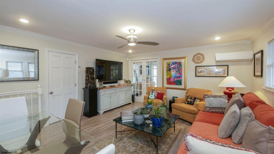 6 Wyoming #B, Ventnor, New Jersey 08406, 2 Bedrooms Bedrooms, 8 Rooms Rooms,Condominium,For Sale,Wyoming #B,549171