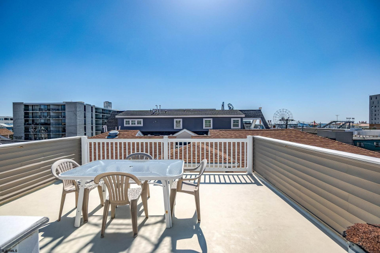 631 10th St, Ocean City, New Jersey 08226, 3 Bedrooms Bedrooms, 8 Rooms Rooms,Condominium,For Sale,10th St,549189