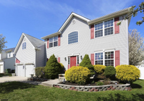 106 Amber, Egg Harbor Township, New Jersey 08234, 4 Bedrooms Bedrooms, 13 Rooms Rooms,Residential,For Sale,Amber,549334