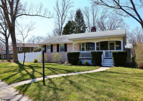 403 Morton, Absecon, New Jersey 08201, 3 Bedrooms Bedrooms, 7 Rooms Rooms,Residential,For Sale,Morton,549385