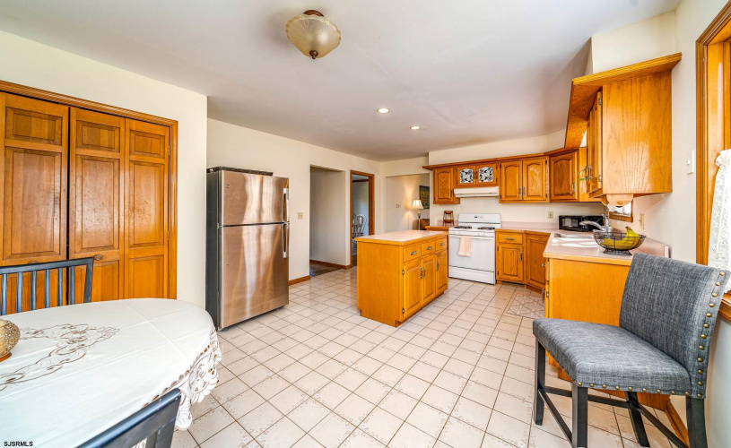 201 Ross, Linwood, New Jersey 08221, 4 Bedrooms Bedrooms, 12 Rooms Rooms,Residential,For Sale,Ross,549935