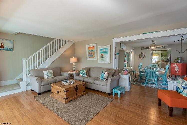 107 Cardinal, Wildwood Crest, New Jersey 08260, 3 Bedrooms Bedrooms, 9 Rooms Rooms,Residential,For Sale,Cardinal,550006