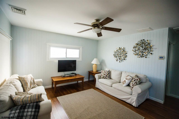 312 35th, Brigantine, New Jersey 08303, 2 Bedrooms Bedrooms, 5 Rooms Rooms,Rental non-commercial,For Rent,35th,550116