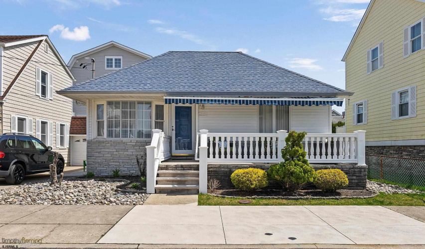 131 Yarmouth, Longport, New Jersey 08403, 3 Bedrooms Bedrooms, 8 Rooms Rooms,Rental non-commercial,For Rent,Yarmouth,550129