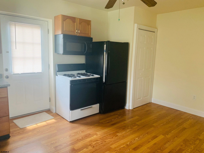 6409 Jersey Ave, Egg Harbor Township, New Jersey 08234, 2 Bedrooms Bedrooms, 5 Rooms Rooms,Rental non-commercial,For Rent,Jersey Ave,550201