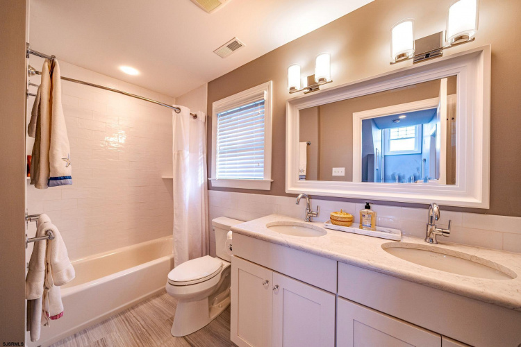 2708 Central, Ocean City, New Jersey 08226, 5 Bedrooms Bedrooms, 12 Rooms Rooms,Residential,For Sale,Central,551250