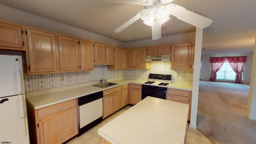 219 Colman Place, Galloway Township, New Jersey 08205-0000, 3 Bedrooms Bedrooms, 6 Rooms Rooms,Residential,For Sale,Colman Place,551463