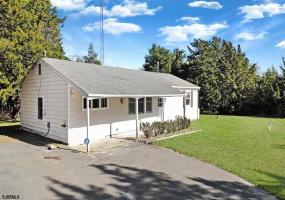 5 Howlett Lane, Absecon, New Jersey 08221, 3 Bedrooms Bedrooms, 5 Rooms Rooms,Residential,For Sale,Howlett Lane,551475