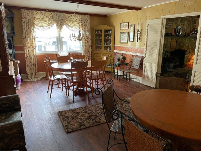 203 WOODCREST AVE, Absecon, New Jersey 08201, 4 Bedrooms Bedrooms, 9 Rooms Rooms,Residential,For Sale,WOODCREST AVE,551885