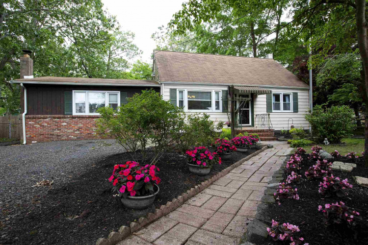 208 Braddock Ave, Williamstown, New Jersey 08094, 3 Bedrooms Bedrooms, 9 Rooms Rooms,Residential,For Sale,Braddock Ave,551901