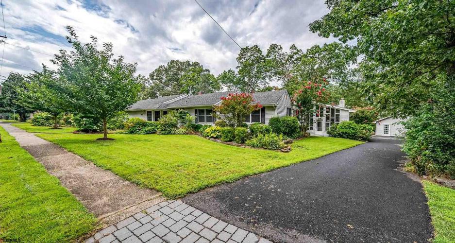 1023 Oak, Linwood, New Jersey 08221, 5 Bedrooms Bedrooms, 11 Rooms Rooms,Residential,For Sale,Oak,554650