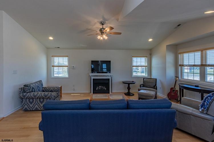 3811 Arctic, Wildwood, New Jersey 08260, 4 Bedrooms Bedrooms, 8 Rooms Rooms,Condominium,For Sale,Arctic,555694