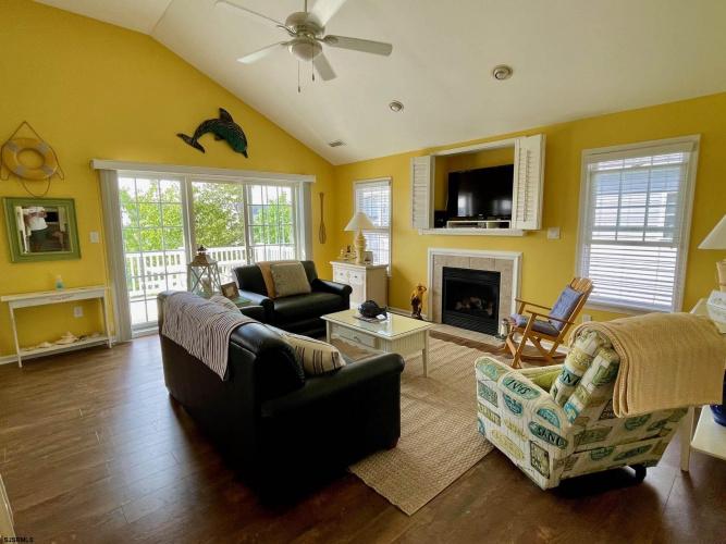2927 Haven Avenue 2nd fl., Ocean City, New Jersey 08226, 4 Bedrooms Bedrooms, 7 Rooms Rooms,Condominium,For Sale,Haven Avenue 2nd fl.,555855